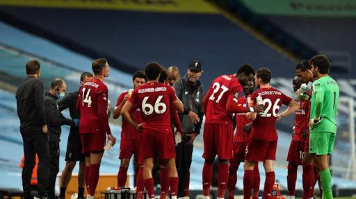 ยิงเดือดทุกนัด การแข่งขันฟุตบอล พรีเมียร์ลีก อังกฤษ แมนซิตี้ พบ ลิเวอร์พูล